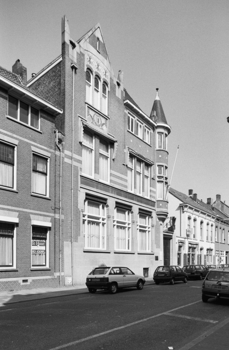 Voormalig bankgebouw in art nouveau, van de geldersche ...
