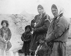 P251c Yenisei-Ostiaks women and children.jpg
