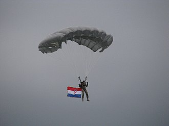 Republic of Croatia Armed Forces - Image: Padobranac Dan OSRH 2011