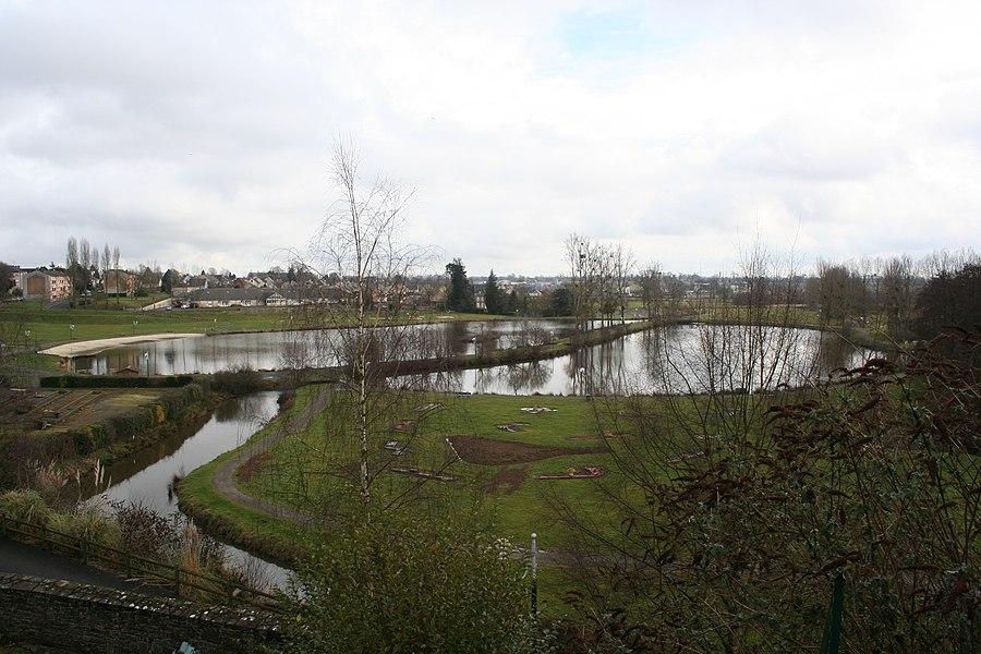 Parc urbain de Saint-Hilaire-du-Hacouët, Manche, France