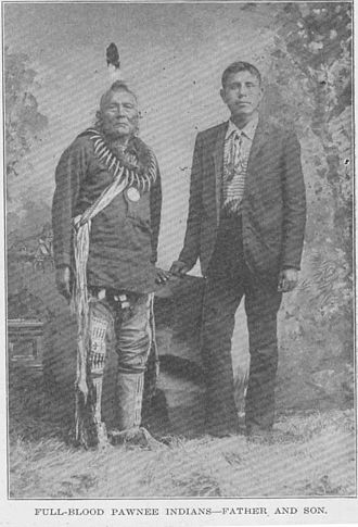 Pawnee people - Pawnee father and son, 1912