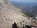 Pedraforca -enforcadura, vista cap a la tartera 2.JPG