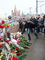 People came to the side of Boris Nemtsov's murder (2015-02-28; 32).JPG