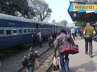 Barharwa Junction railway station - Image: People ramming onto a train
