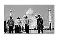 Peoples in Taj Mahal.jpg