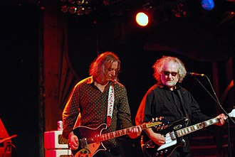The Minus 5 - Buck and McCaughey playing with The Baseball Project/The Minus 5/Steve Wynn IV in 2009