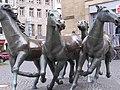 Pferde auf dem Aachnener Bahnhofplatz - panoramio.jpg