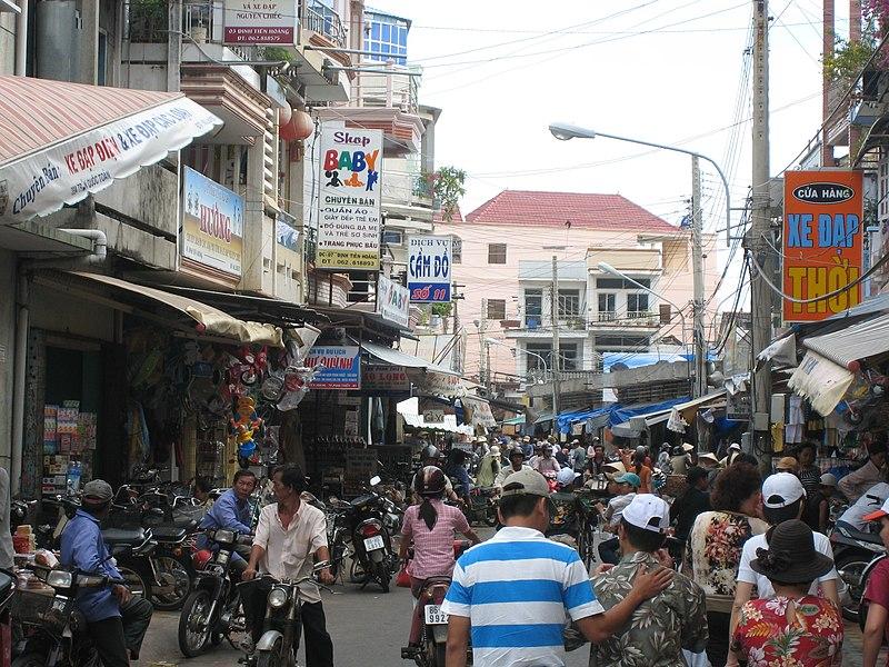 File:Phan Thiet, Market - panoramio - zabaluev.jpg