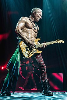 Phil Collen in Australia.jpg