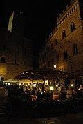 Piazza dei Priori (Volterra) - panoramio.jpg