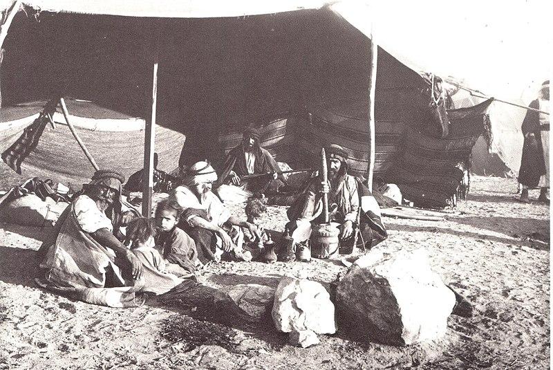 אוהל הגברים הבדואים