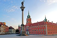 Poland-00808 - Castle Square (31215382745).jpg