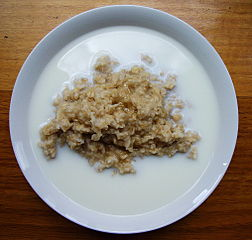 https://upload.wikimedia.org/wikipedia/commons/thumb/c/c9/Porridge.jpg/252px-Porridge.jpg