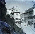 Pozsony 1903, Vártelek utca, balra a Miklós utca. Szemben az un. Jó pásztor háza. Fortepan 86769.jpg