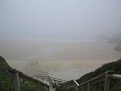 Praia de Meirás na bruma.jpg
