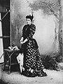 Primoli, Giuseppe - Prinzessin Maria Laetitia, duchessa von Aosta (Zeno Fotografie).jpg
