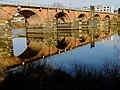 Römerbrücke trier spiegelt sich in der mosel.jpg