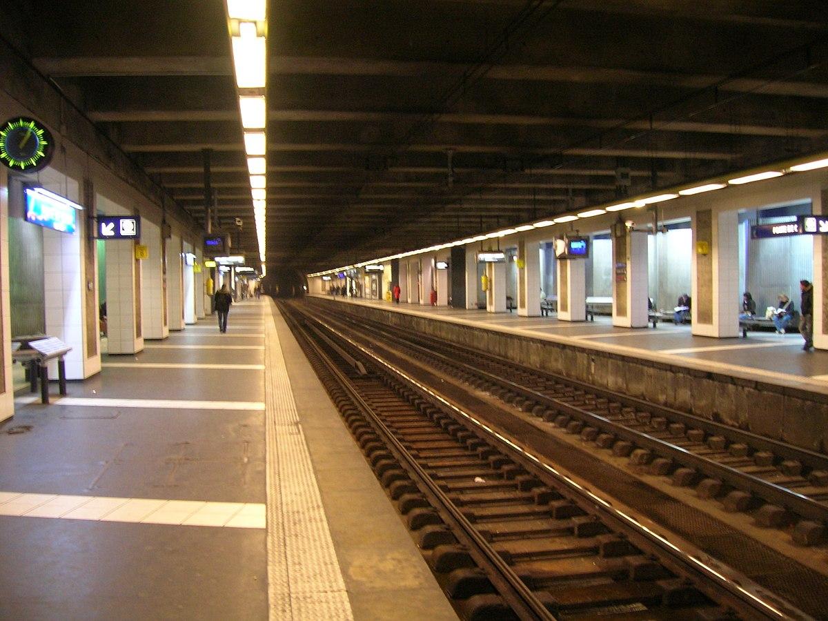 Porte de clichy metropolitana di parigi wikipedia - Porte de clichy prostitutes ...