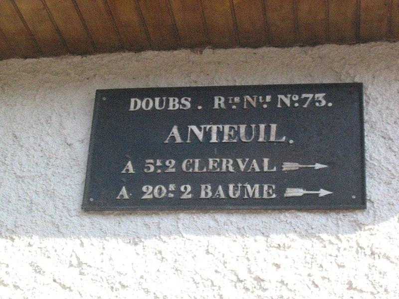 Plaque de cocher du XIXème siècle, Anteuil (Doubs), photo personnelle