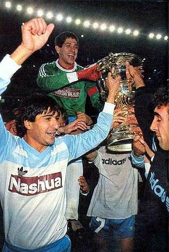 Ubaldo Fillol - Fillol celebrating the 1988 Supercopa Libertadores won with Racing Club