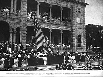 Territory of Hawaii - Image: Raising the American Flag Over Iolani Palace