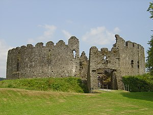Shell keep - Image: Restormel Castle
