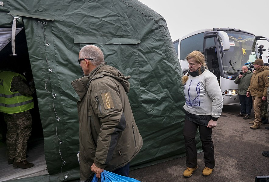Return of liberated citizens to the territory controlled by Ukraine (2019-12-29) 040.jpg