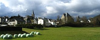 Rhaunen - View from the east with Altes Amtsgericht (court) and church