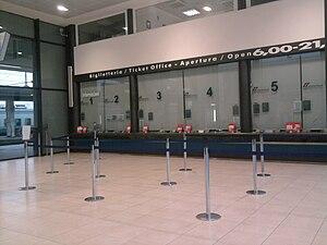 Rimini railway station - The renovated booking hall.