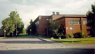 Riverview, Ottawa - Riverview Alternative Public School on Knox Crescent in Riverview