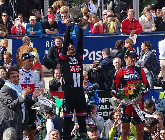 Roubaix - Paris-Roubaix, 12 avril 2015, arrivée (B28).JPG