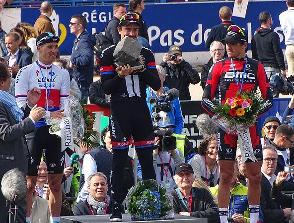 Roubaix - Paris-Roubaix, 12 avril 2015, arrivée (B30).JPG