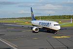 Ryanair, EI-EVN, Boeing 737-8AS (18058138408).jpg