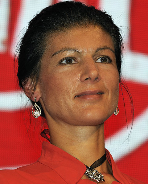 File:Sahra Wagenknecht Die Linke Wahlparty 2013 (DerHexer) 04.jpg
