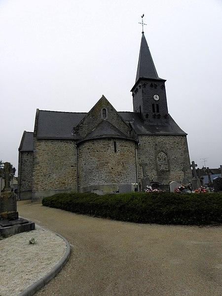 Église de Saint-Cyr-le-Gravelais (53). Chevet.