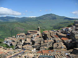 San nicola e montagne.jpg