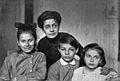 Scriabin Julian, TF & sestry Moskau 1918.jpg