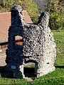 Seelbach (Schwarzw.), Burgruine Hohengeroldseck, ehem. Wohnhaus für Bedienstete mit Treppenturm 01.11.2016.jpg