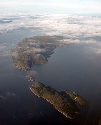Veøya - View of Veøya (closest) and Sekken (farthest) with Hangholmen in the middle