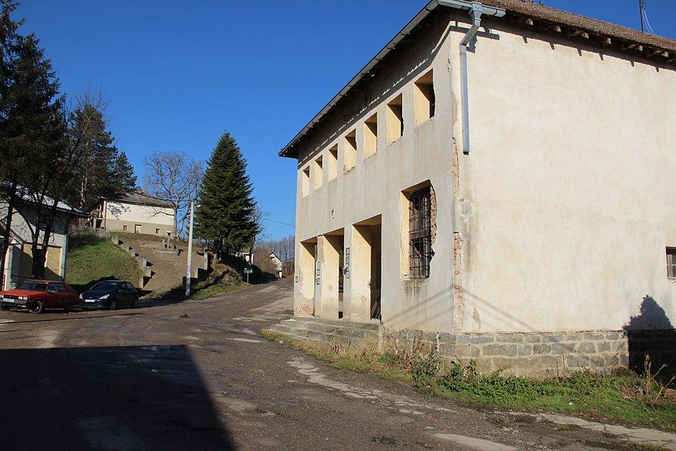 Selo Gola Glava - opština Valjevo - zapadna Srbija - centar sela 1