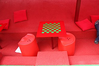 Chess table - Image: Serpentine Gallery Pavilion, London, July 2010 (20)