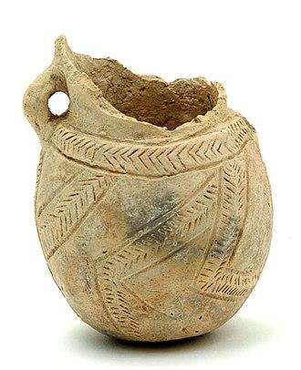 Yarmukian culture - Yarmukian pottery vessel, Sha'ar HaGolan