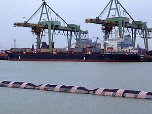 Silver Shing, Mississippi harbour, Port of Rotterdam, Holland 04-Mar-2007.jpg