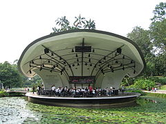 Singapore Botanic Gardens, Symphony Lake 4, Sep 06.JPG