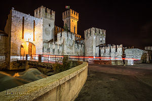 Sirmione - Image: Sirmione old town entrance