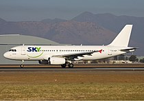 Sky Airline Airbus A320 Simon.jpg