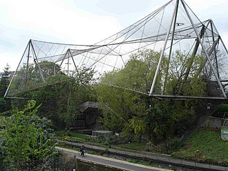 Aviary - Image: Snowdon Aviary at London Zoo 30April 2005