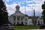 Stark County Courthouse and memorial, Illinois.jpg