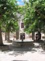 Ste-Eulalie-de-Cernon Place fontaine.jpg