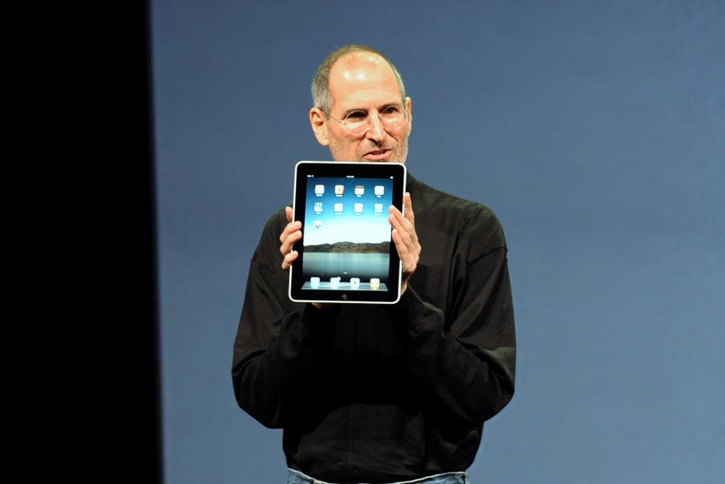 Steve Jobs with the Apple iPad no logo